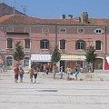 Moje ulubione miasto w Chorwacji. Przesliczne sklepy z biżuterią i ręcznymi wyrobami Chorwatów. Polecam! #wakacje #chorwacja #morze #zwiedzanie #upał #lody