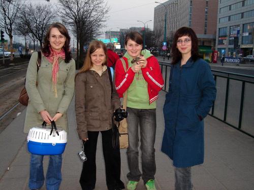 Od lewej: MaLaGa, Elly, Telimenka, magda18 (uff, ja robie fotke wiec mnie tu nie ma ;P)