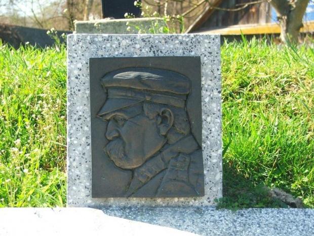 Kopiec w Wierzchoniowie #Wierzchoniów #kopiec #pomnik