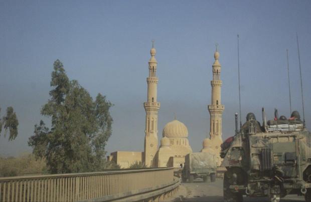 Zdjęcie z Iraku robione w czasie działań wojennych w 2003 roku... #wojna #Irak