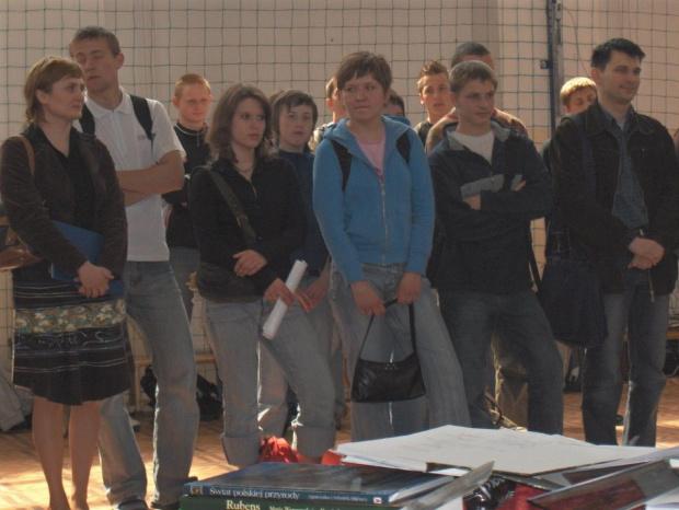 27 kwietnia 2007 pożegnaliśmy kolejnym rocznik absolwentów sobieszyńskiej szkoły. #Sobieszyn #Brzozowa #Absolwenci2007