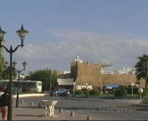 Przystanek autobusowy w pobliżu Hotelu Dalia i autobus w Hammamecie, Tunezja. #Tunezja #Hammamet #HotelDalia #autobus #przystanek #przystanki