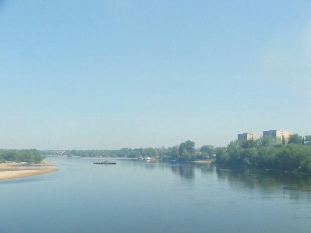 Jedziemy przez stary most. Poniżej widać budowę nowego. #Puławy #Wisła #most