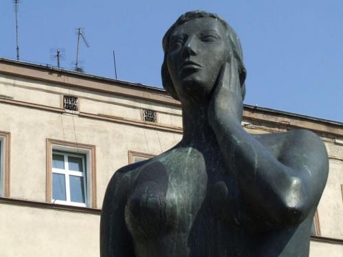 #rzeźba #budynek
