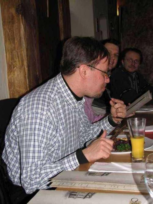 Po jedzeniu czas podłubać widelcem... a może ozorek Tomcicha na deser?